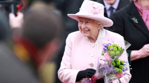 Бывший шеф-повар королевской семьи раскрыл гастрономические причуды Елизаветы II
