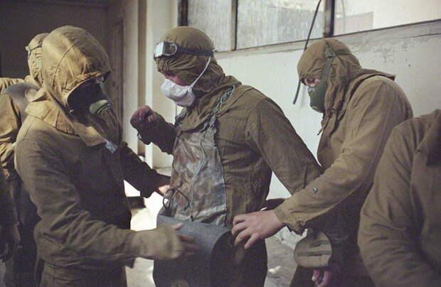 Ценой жизни: как три отважных спасателя-водолаза предотвратили второй взрыв на ЧАЭС