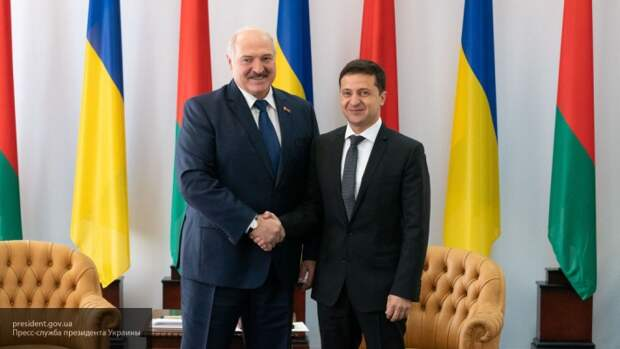 Лукашенко призвал Украину и Литву не бросать камни в Белоруссию