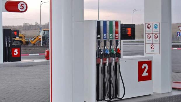 «Белнефтехим»: цены на топливо планируется повысить на 5 — 6%