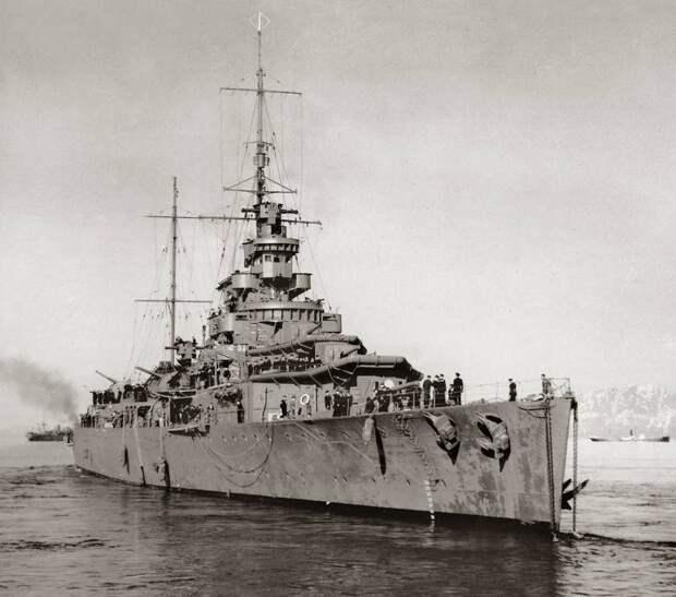 Боевые корабли. Крейсера. Британский. Первый. Замысловатый. Блин комом