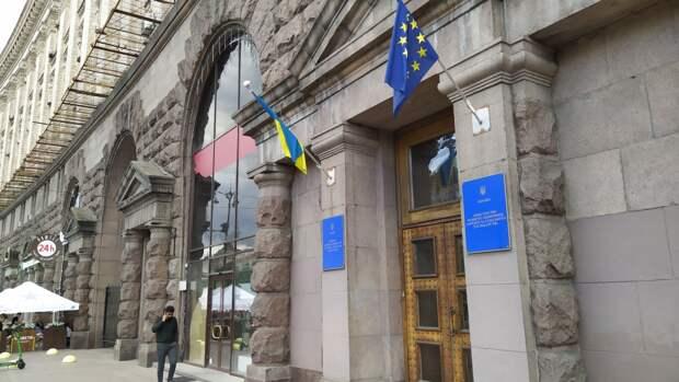 Украине придется столкнуться с мощной конкуренцией в борьбе за внимание США