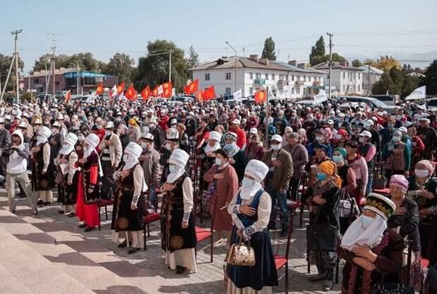 Не грозит ли белорусский сценарий Кыргызстану после парламентских выборов?