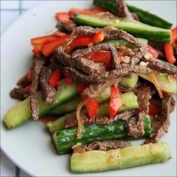 Огурцы с мясом по корейски: фантастический салат!