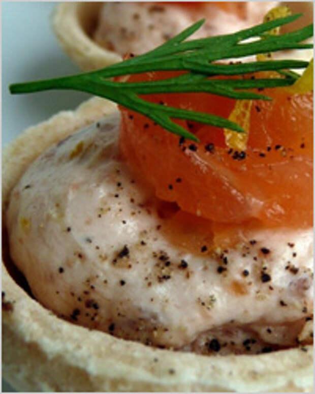 Мусс из лосося в тарталетках