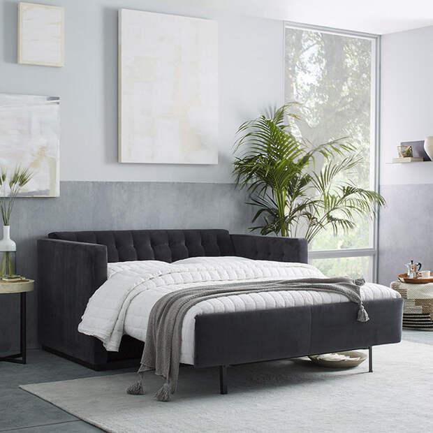 Удобный и практичный диван для сна.