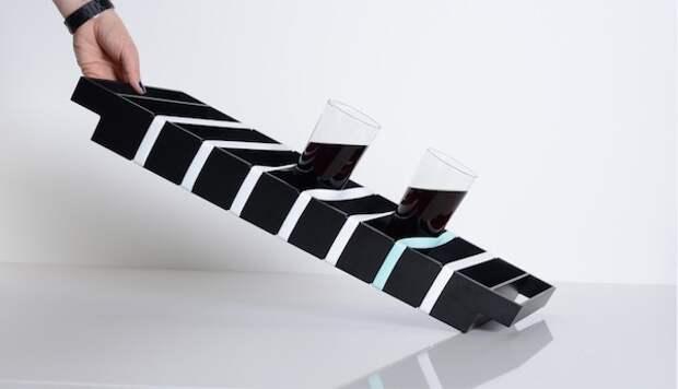 Власть над подносом со стаканами