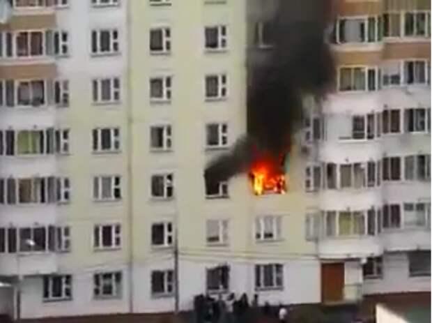 Таджикский мигрант спас русского ребенка из горящей квартиры в Москве (видео)