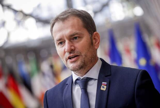 Премьер Словакии предложил поменяться постами с министром финансов