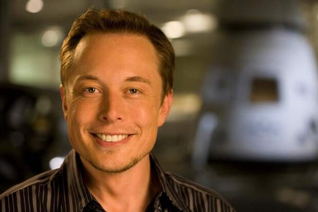 Когда-то Илон Маск назвал переполох с коронавилусом глупым, а теперь распродает имущество