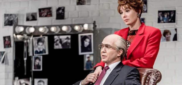 Горбачев лезет на экраны
