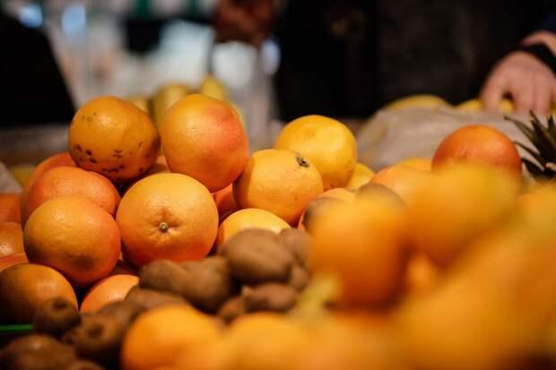 В Крыму подешевели фрукты и цитрусовые