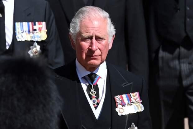 Королева Елизавета II, возможно, передаст трон принцу Чарльзу ещё при жизни