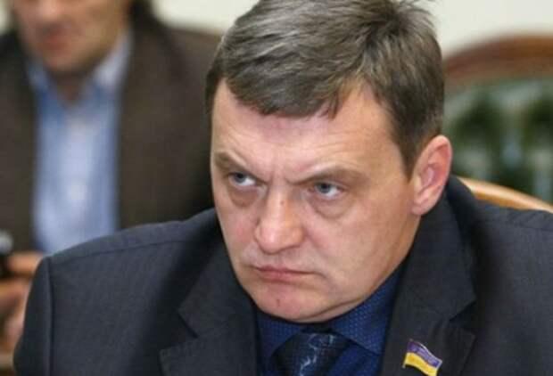 В Киеве считают, что войну с Россией выгоднее вести неофициально