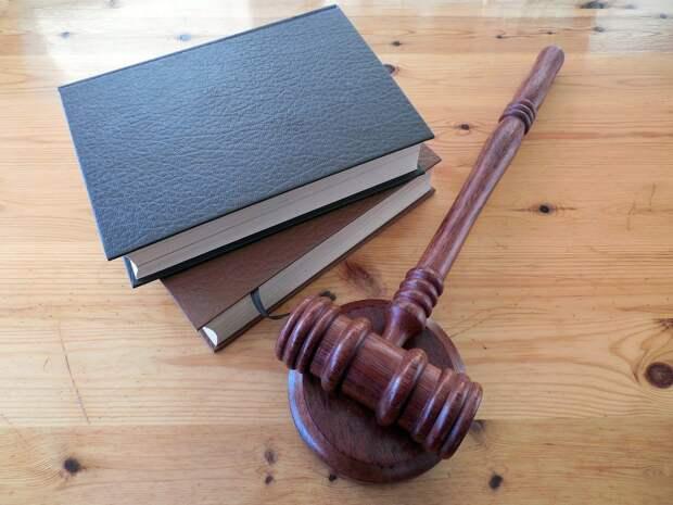 Жительницу Камбарки осудили за драку с судебным приставом