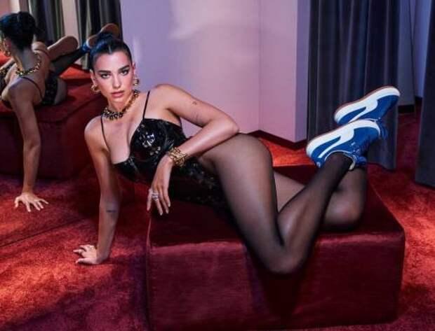 Латексное боди, цепи и кроссовки: Дуа Липа стала героиней новой кампании Puma
