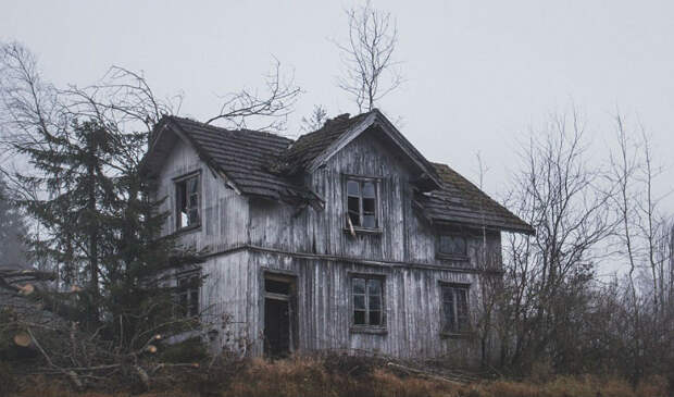 Заброшенные дома Скандинавии, дополняющие красоту северной природы