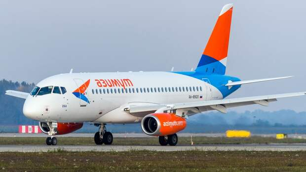 """Борт авиакомпании """"Азимут"""" сел в Самаре по техническим причинам"""