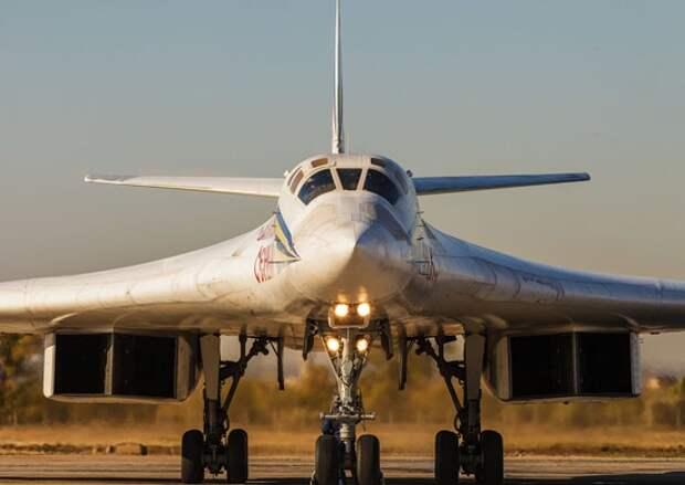 Китайские журналисты рассказали, как российский Ту-160 одним маневром унизил ВВС США