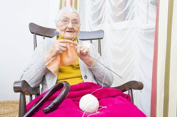Пенсионеров из Бабушкинского приглашают в клуб «Золотая спица»