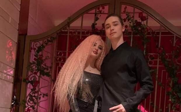 Сын Королёвой и Тарзана запланировал свадьбу с юной танцовщицей у шеста