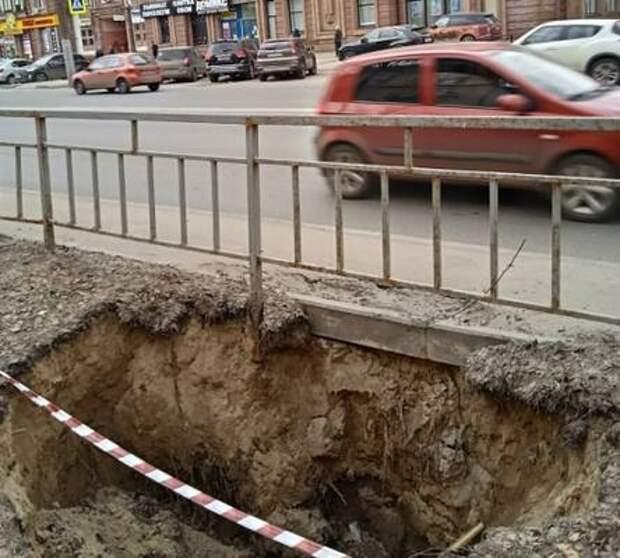 «Как после бомбежки»: нижегородцы показали весеннюю разруху в Сормове