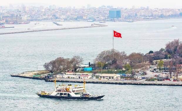Турция пытается и Босфор съесть, и на «Стамбул» сесть