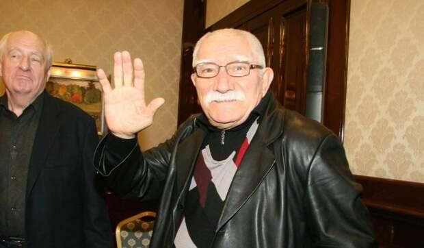 Армен Джигарханян обратился к жене: Ударь меня