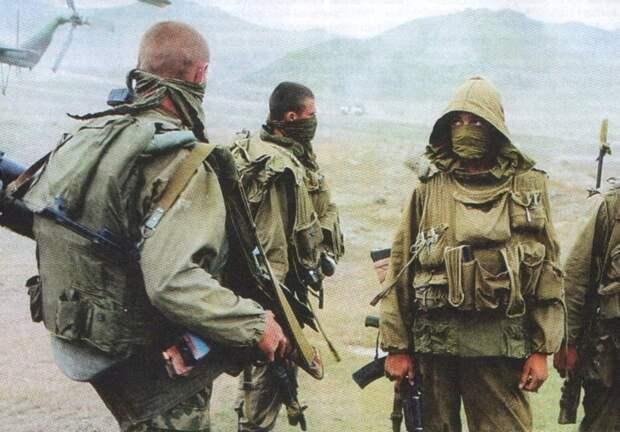 РАЗВЕДЧИКИ ВДВ ПОСЛЕ ЗАДАНИЯ. Ботлих, Дагестан, 14 августа 1999 года