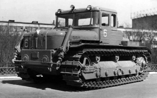 Уникальный трактор СССР: электрический 12‑цилиндровый