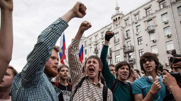 Цирк по заказу: среди «жертв» митинга нашёлся охранник Навального