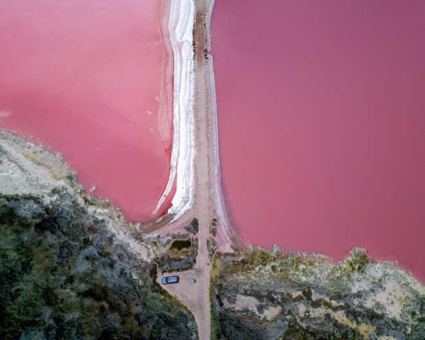 Озеро Hutt Lagoon в Австралии
