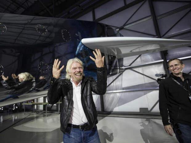 Ричард Брэнсон запустил свой космический корабль SpaceShip 2