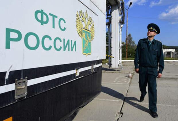 Импорт автомобилей в Россию упал почти на четверть