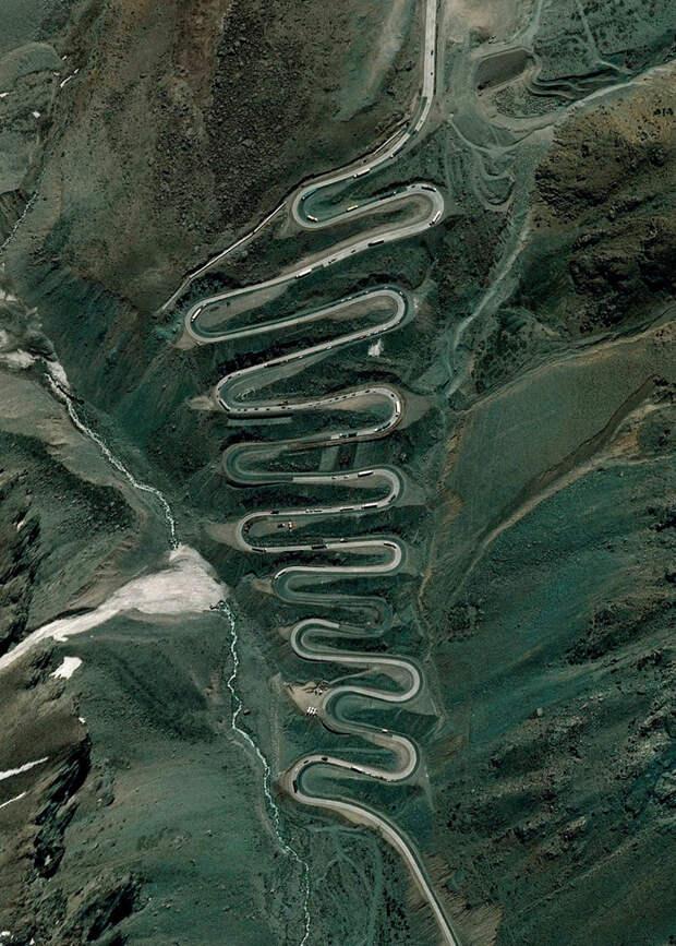 8. Перевал Лос Караколес, Анды, Чили-Аргентина фото со спутника, фотограф Бенджамин Грант, фотографии