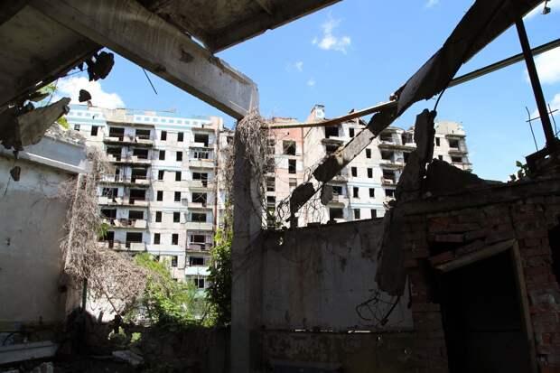 Минометным огнем украинских войск поврежден жилой дом на западе Донецка