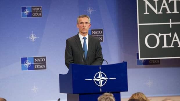 Столтенберг заявил о необходимости контроля над новыми видами вооружения