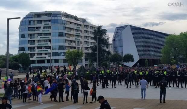 Возмущенные болгары атаковали гей-парад в Бургасе. Колонка Владимира Тулина