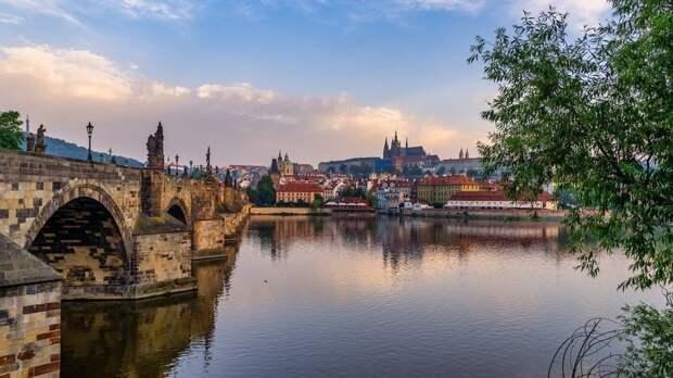 Глава МВД Чехии обвинил в клевете написавших о его планах посетить РФ журналистов