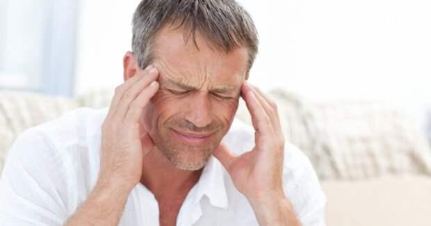 Постоянные головные боли и высокое давление – симптомы болезни почек