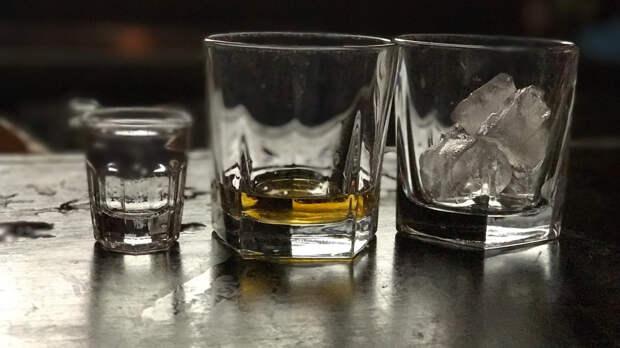 Блогер рассказал, как не пьянеть во время употребления спиртного
