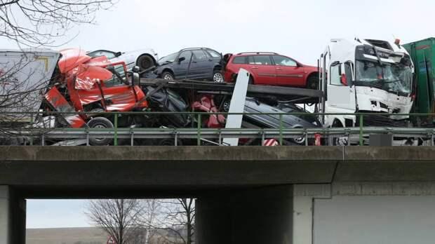 ДТП на А14: дальнобойщика в кабине раздавил подержанный автомобиль