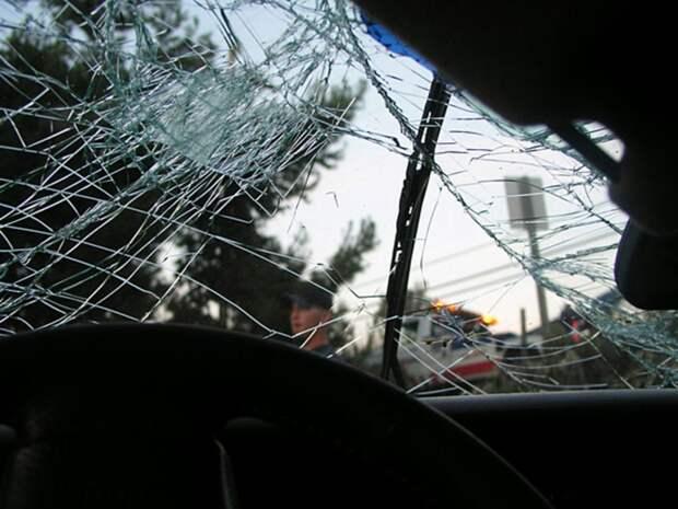 Микроавтобус с телом умершего попал в ДТП на Рублевке