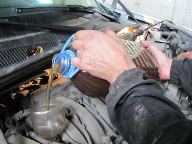 Нужно ли промывать двигатель при замене масла и когда