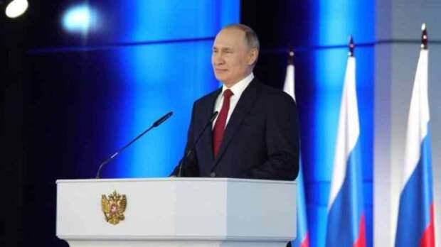 Послание Путина будет транслироваться науличных экранах