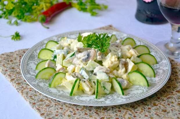 как приготовить салат с грибами и огурцом