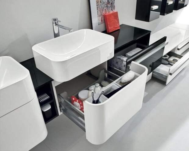 Выдвижные шкафчики с отсеками. Удобно, практично и комфортно.