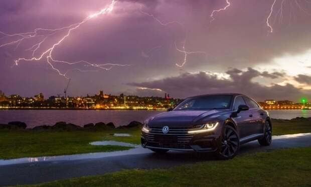 Как вести себя в автомобиле, если в него ударила молния