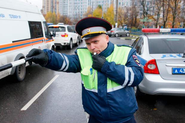 Как сотрудники ГИБДД вычисляют нетрезвых водителей в потоке машин