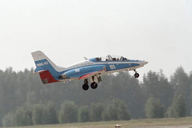 Конкурент Як-130: 25 лет назад МиГ-АТ совершил первый полет
